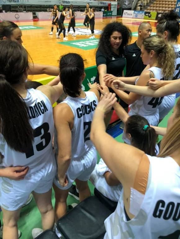 Tall Ferns huddle v Korea
