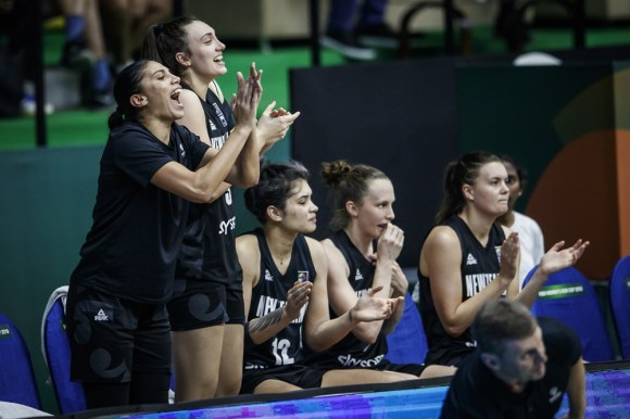 Tall Ferns v China